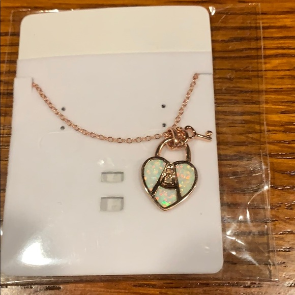 Necklace brand new